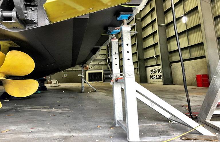AerLift ASCOM Motor oat boat stand
