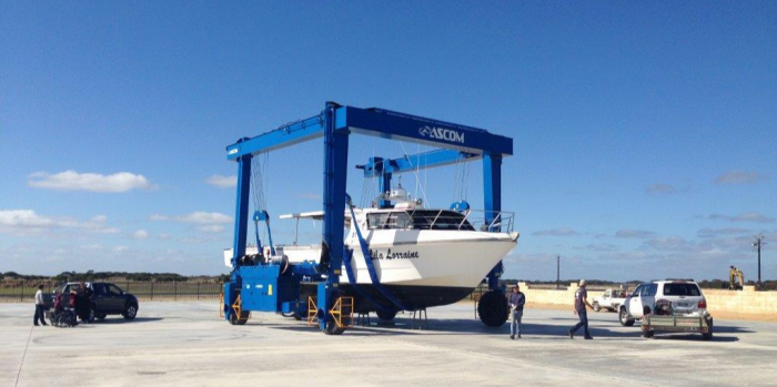 AerLift ASCOM BHT50 marine straddle carrier