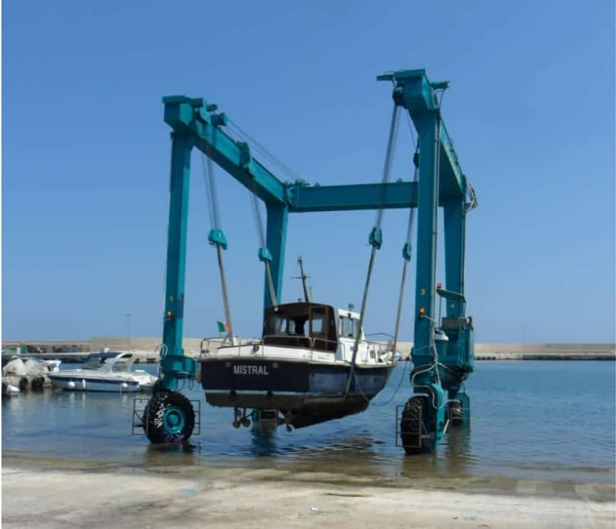 Amphibious Travel Lift / Boat Hoist